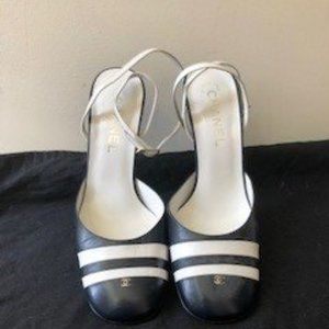 CHANEL - Classic white and navy  slingback shoes